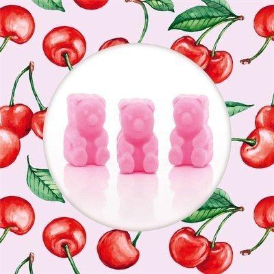 Ted & Friends sojowe woski zapachowe misie 50 g - Superfruit Cherry