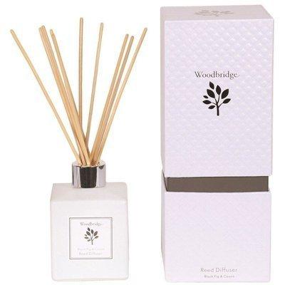 Woodbridge dyfuzor zapachowy z patyczkami 120 ml - Black Fig & Cassis
